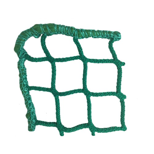 Hay net in the shape of a''Tablecloth'' in a bin